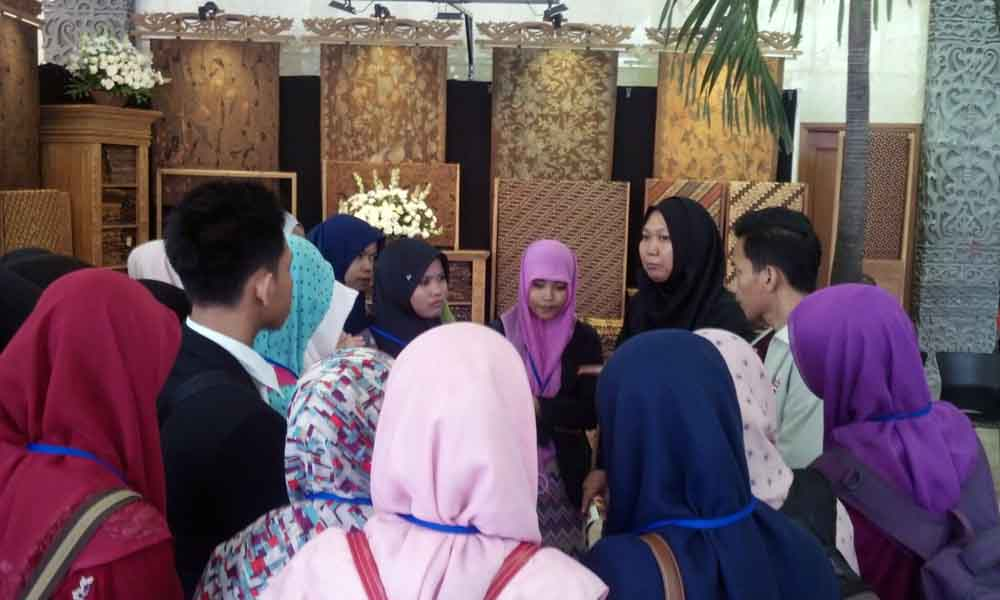 Indonesian Fashion and Craft 2015